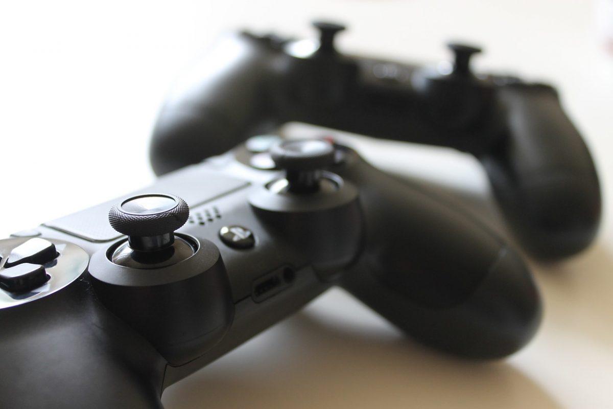 mandos video-juego, residencia universitaria en malaga